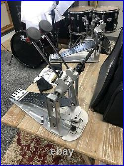 DW DWCPMDD2GR MDD Machined Direct Drive Double Bass Drum Pedal, Gray Footboard