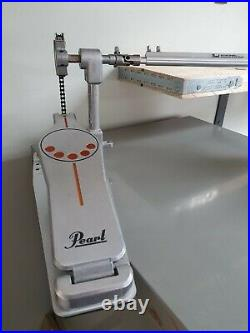 Pearl P-932 Demonator chain drive double pedal for kick drum bass drum