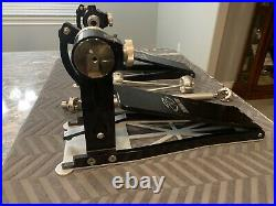 Trick drums Dominator Double Pedal (iron Cobra, Dw 9000, Axis Longboard, Pearl)